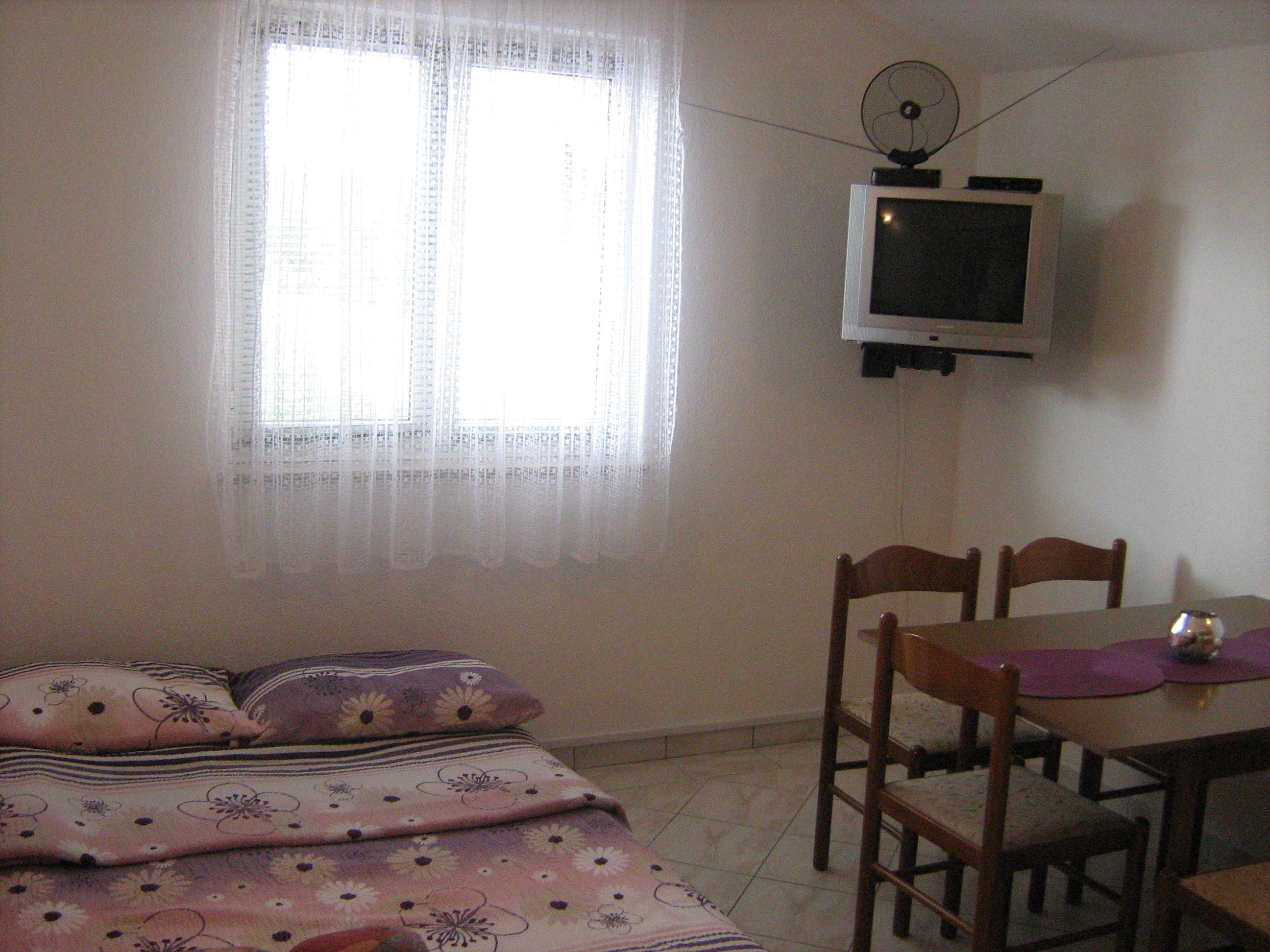 apartments anton vodice sjeverna dalmacija. Black Bedroom Furniture Sets. Home Design Ideas