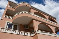 Apartmaji Villa L i L