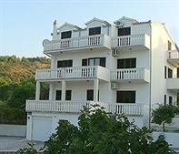 Apartmaji Villa Nena