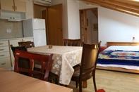 Apartments Pomerio