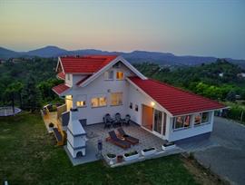 Apartmanok Villa Cerina
