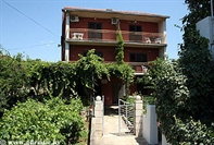 Apartments Srhoj